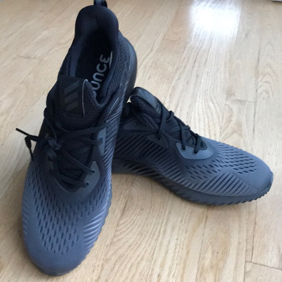 low priced ce1e1 65859 Adidas Alphabounce EM shoes
